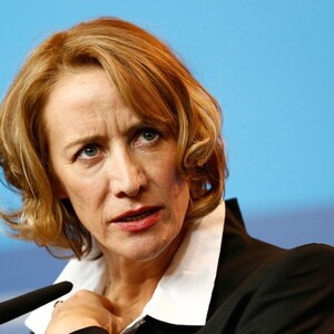 Janet McTeer Net Worth