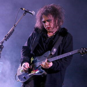 Robert Smith Net Worth