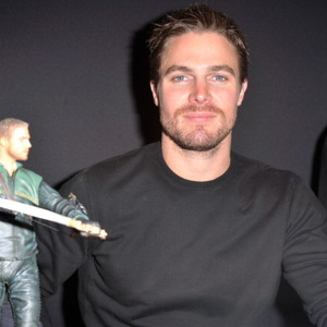 Stephen Amell Net Worth