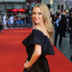 Jessica Jane Clement Net Worth