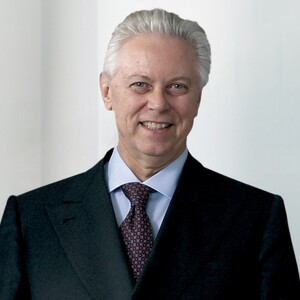 Stefano Pessina Net Worth