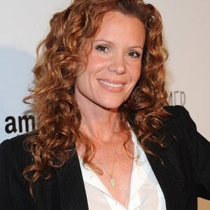 Robyn Lively Net Worth