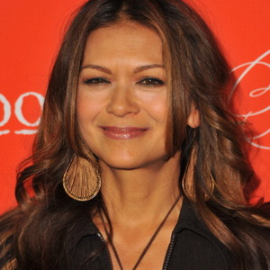 Nia Peeples Net Worth