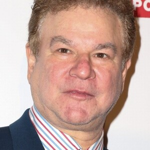Robert Wuhl Net Worth