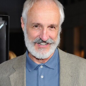 Michael Gross Net Worth