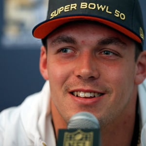 Derek Wolfe Net Worth