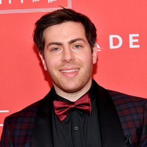 The 32-year old son of father (?) and mother(?) Hoodie Allen in 2020 photo. Hoodie Allen earned a  million dollar salary - leaving the net worth at  million in 2020