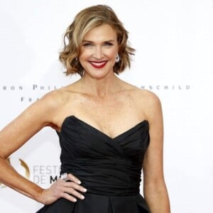 Brenda Strong Net Worth