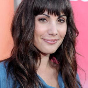 Carly Pope Net Worth