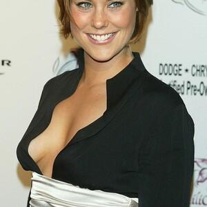 Ashley Williams Net Worth
