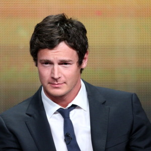 Benjamin Walker Net Worth