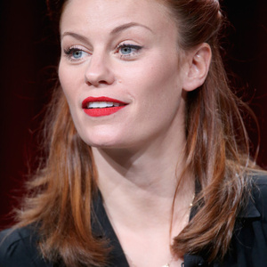 Cassidy Freeman Net Worth