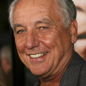Bob Gunton Net Worth
