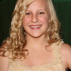 Chloe Greenfield Net Worth