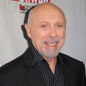 Héctor Elizondo Net Worth
