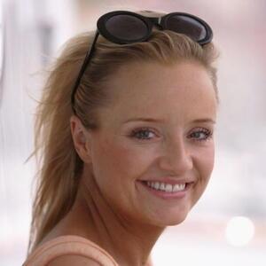 Lucy Davis Net Worth