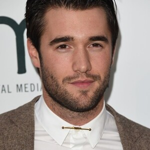 Joshua Bowman Net Worth