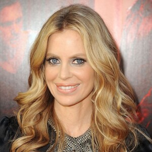 kristin bauer van straten measurements