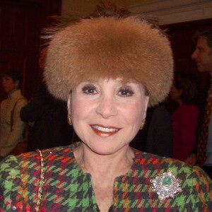 Cindy Adams Net Worth