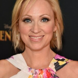 Leigh-Allyn Baker Net Worth