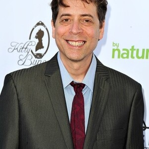 Fred Stoller Net Worth