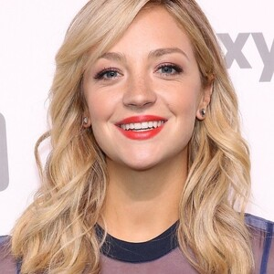 Abby Elliott Net Worth