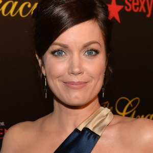 Bellamy Young Net Worth