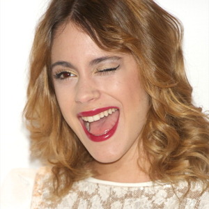 Martina Stoessel Net Worth