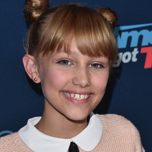 Grace VanderWaal Net Worth