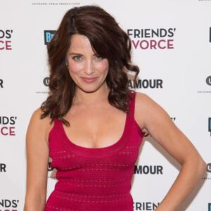 Alanna Ubach Net Worth