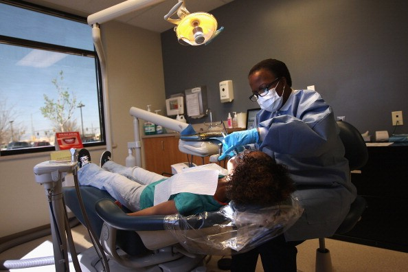 How much does a dental hygienist make?