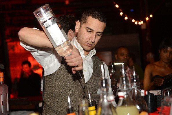 How Much Does A Bartender Make?