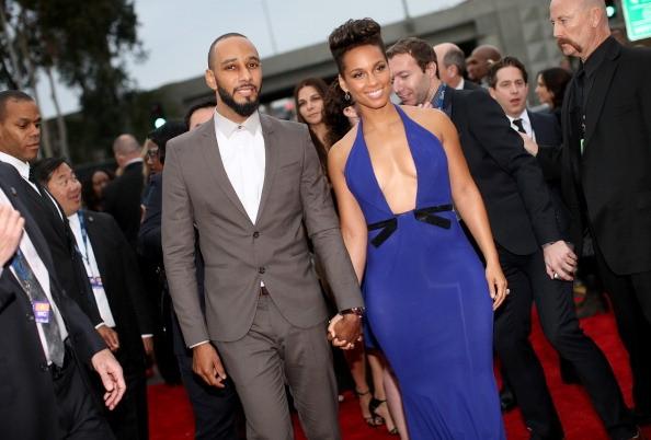 Swizz Beatz buys wife Alicia Keys a Lotus Elise for his b ...