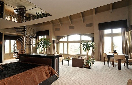 50 Cent's two-floor master bedroom in his mansion in Farmington, Connecticut.