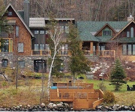 Michael Moore S House Lakeside Mansion Worth 2 Million