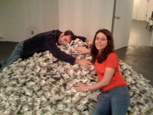 20 Awesome Photos Of Insane Amounts Of Cash Celebrity