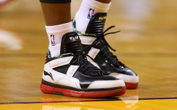 Dwyane Wade Li-Ning Shoe Contract