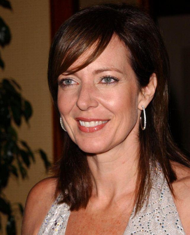 Allison Janney Net Worth - celebritynetworths.net
