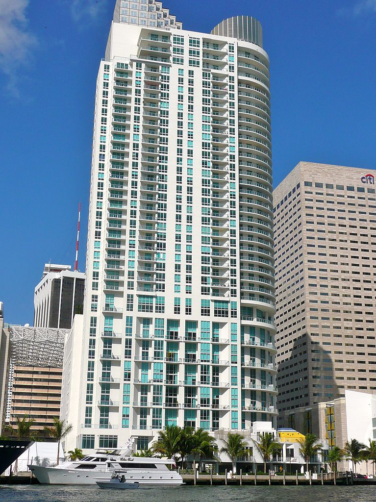 Shaq's Met Miami