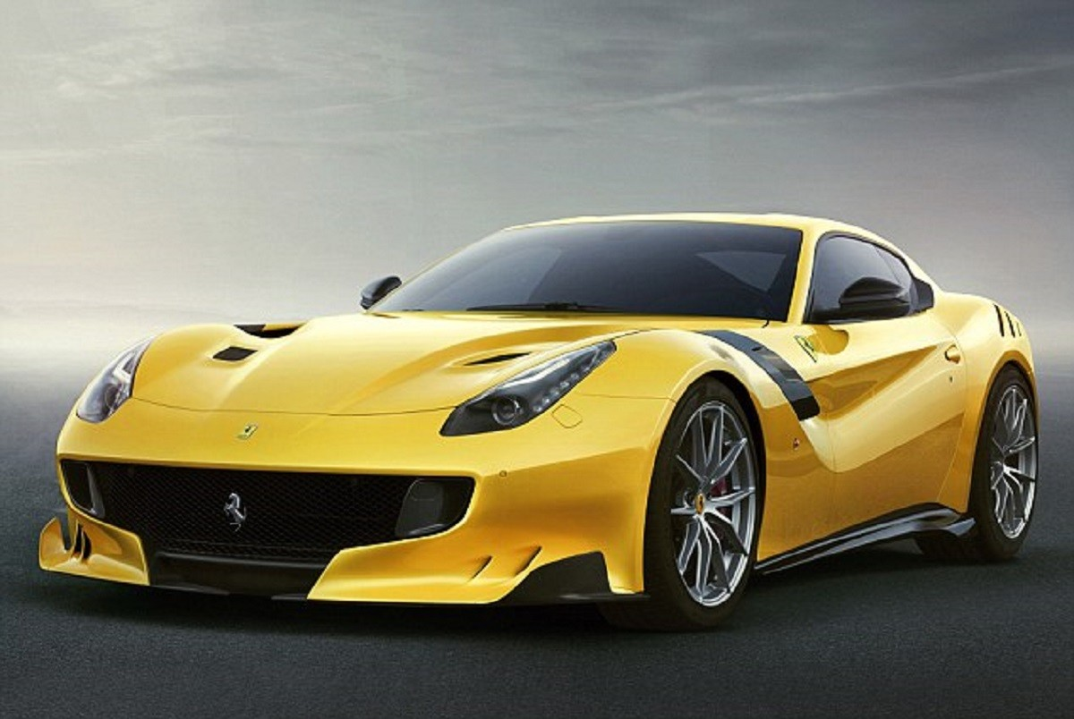 2D5E862F00000578-3270867-Ferrari_will_build_just_799_examples_of_the_F12tdf_and_not_all_o-a-3_1444821442883