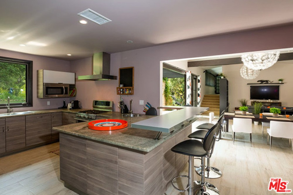 Miley-Cyrus-Malibu-CA-Real-Estate-Kitchen