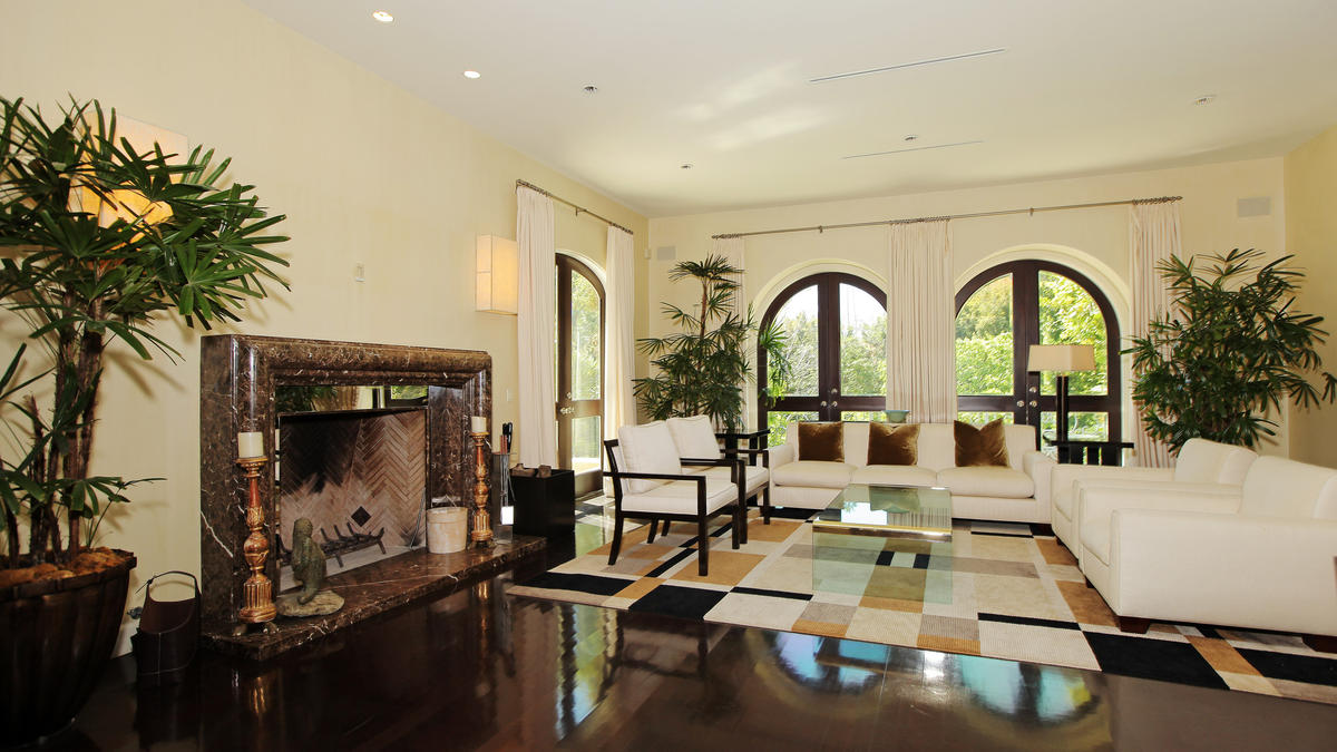 la-fi-hotprop-paul-marciano-beverly-hills-home-009