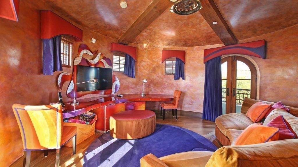 Angels Slugger Albert Pujols Selling Irvine House For 7 75 Million Celebrity Net Worth