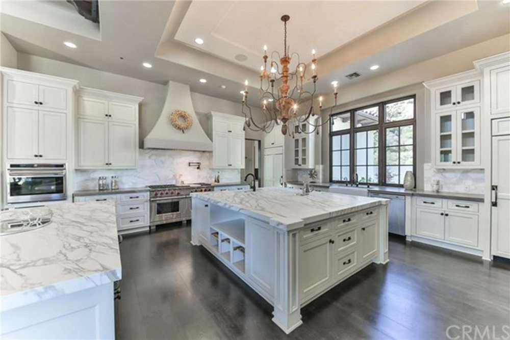 Britney-Spears-Home-For-Sale-In-Thousand-Oaks-CA-Kitchen