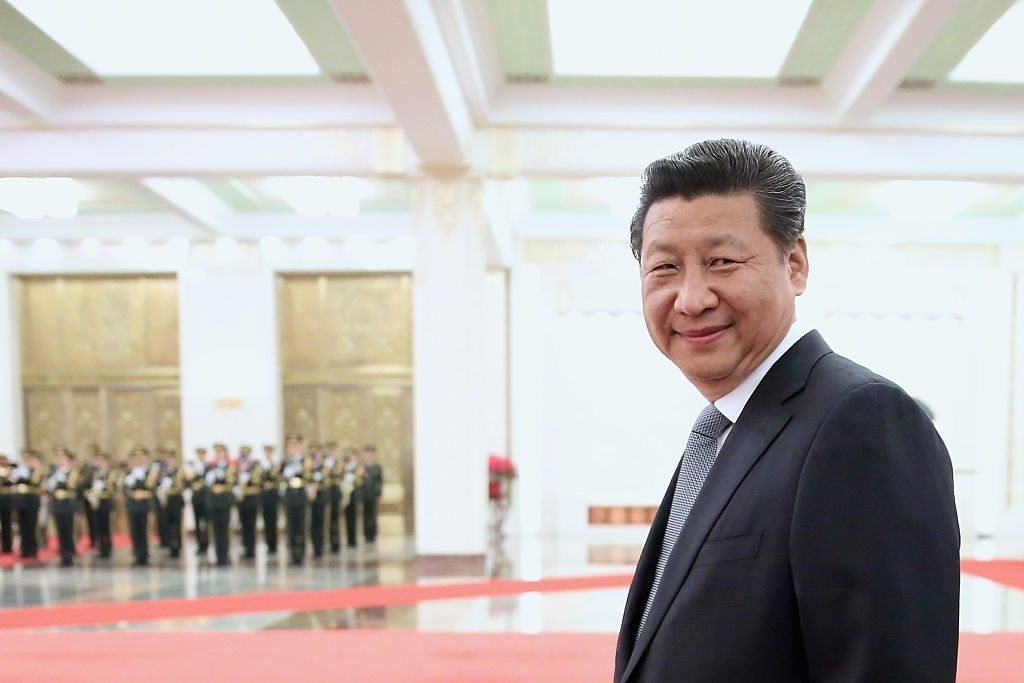 BEIJING, CHINA - MARCH 25: Chinese President Xi Jinping accompanies Armenian President Serzh Sargsyan to view an honour guard during a welcoming ceremony inside the Great Hall of the People on March 25, 2015 in Beijing, China. (Photo by Feng Li/Getty Images)