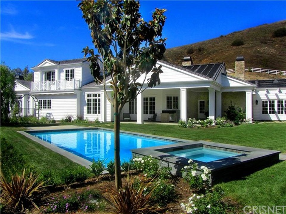 kylie jenner new house jenner buys a 6 million house in a 29793