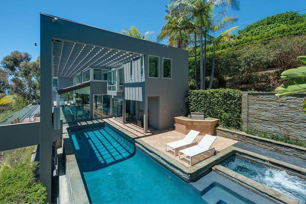 Matthew Perry's former home. Michael McNamara/Shooting LA
