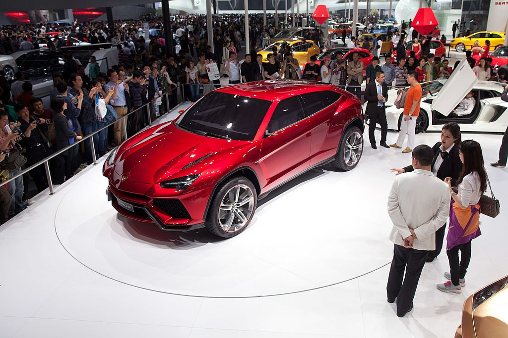 Lamborghini Unveils Its First 4 Door Crossover Suv Since