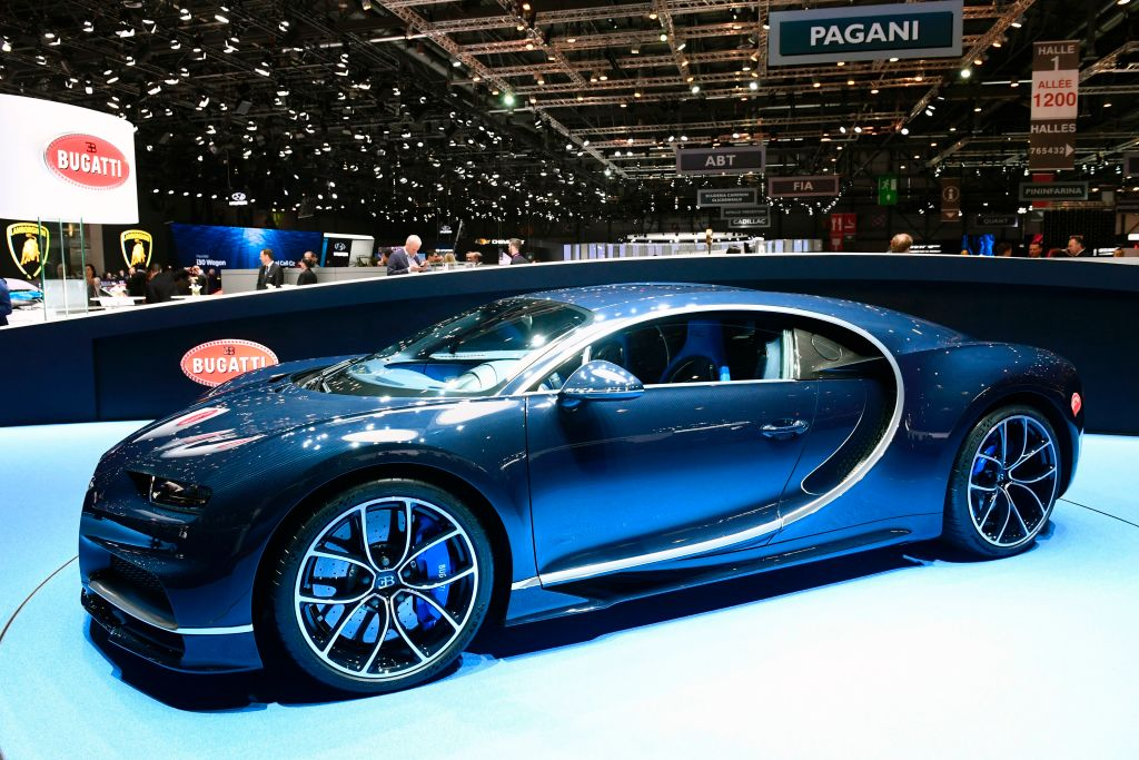 the 3 million bugatti chiron is the new fastest car in the world celebrity net worth. Black Bedroom Furniture Sets. Home Design Ideas
