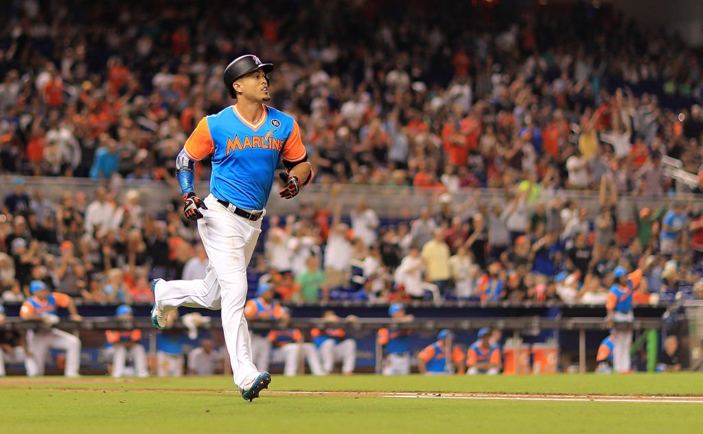 Marlins reportedly have talked Giancarlo Stanton trade with four teams